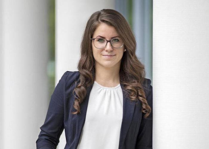 Jacquline Roscher leitet die OM Netzwerk Marketing-Agentur