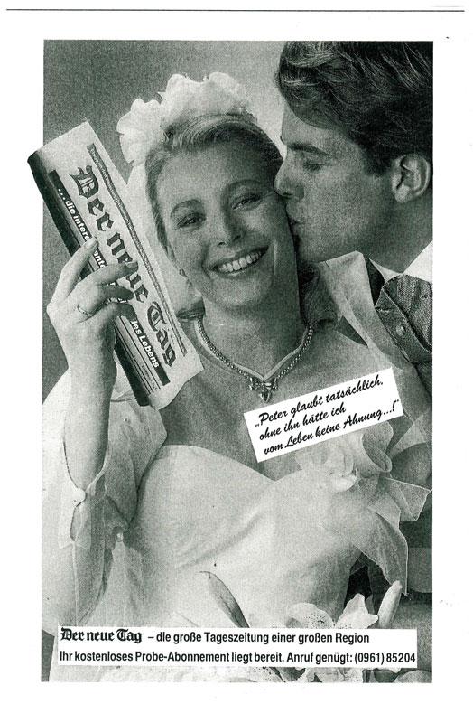 Hochzeitspaar Mann küsst Frau, die Zeitung in der Hand hält